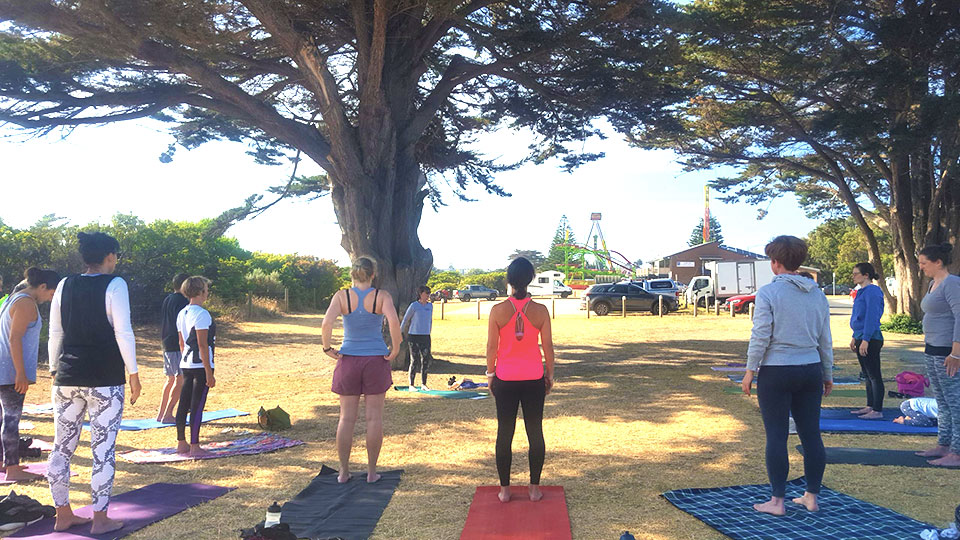 Apollo bay yoga - Natasha-Sikand - Backbend